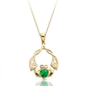 Claddagh Pendant with Celtic Knot-P049